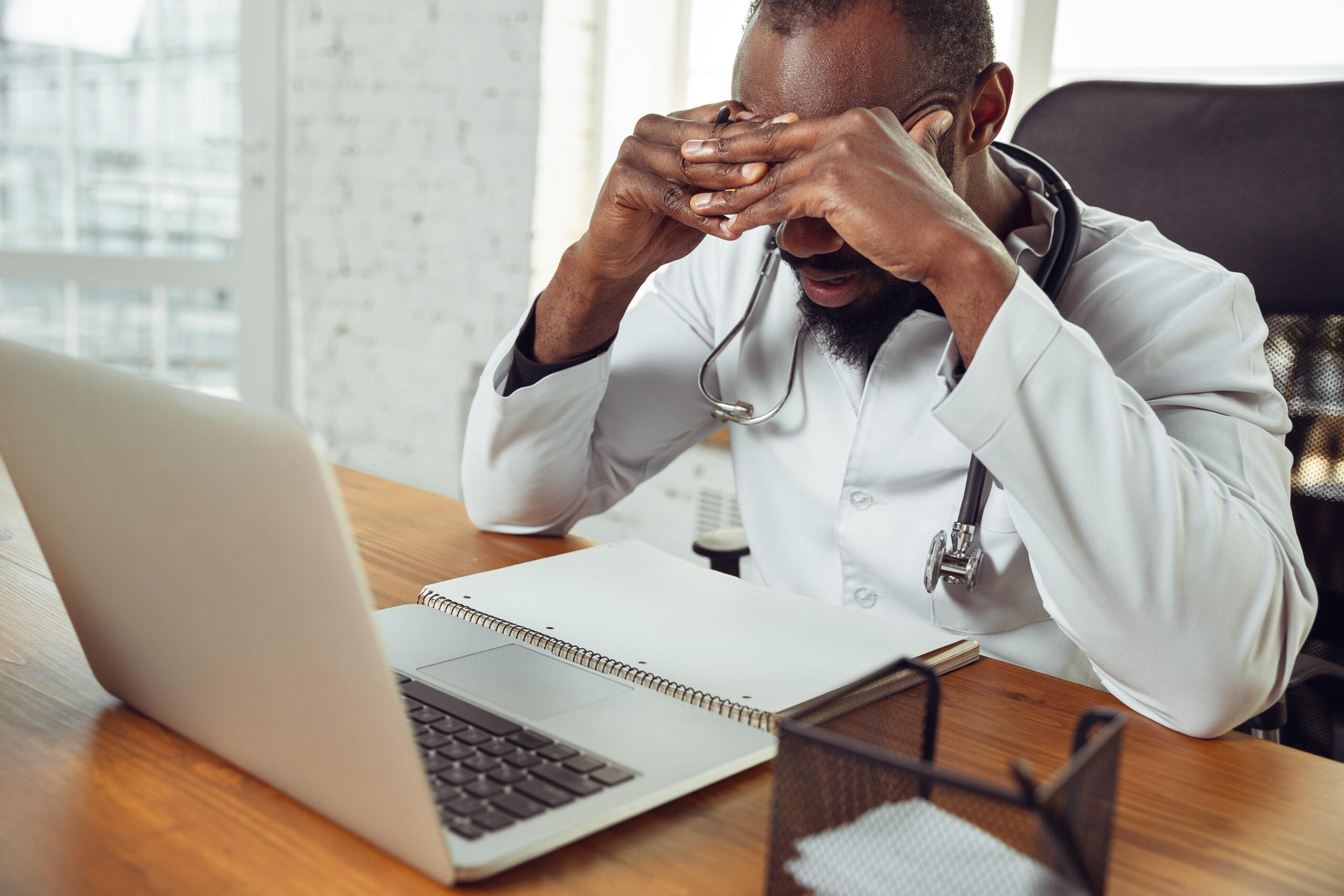 Los 5 errores más comunes que cometen las clínicas en redes sociales